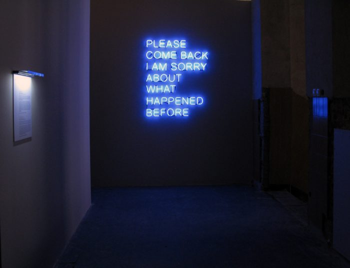 Please-Come-Back-Tim-Etchells-Neon-2008-Image-Courtesy-of-the-Artist-72dpi-003
