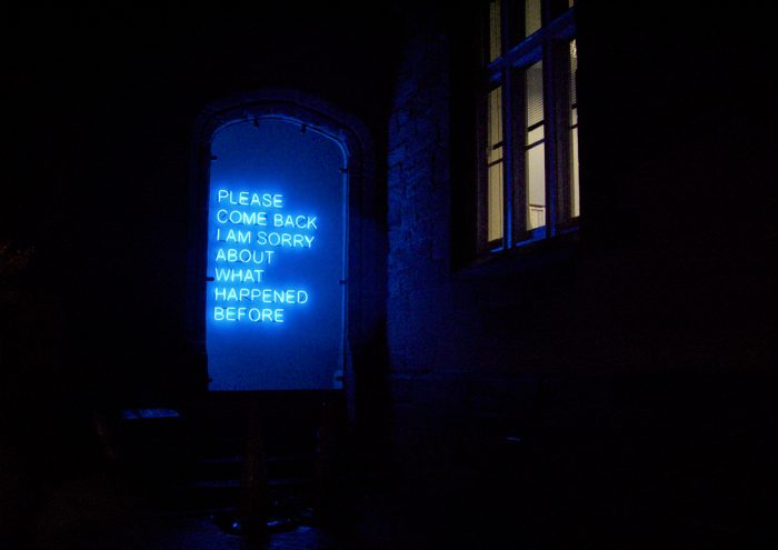 Please-Come-Back-Tim-Etchells-Neon-2008-Image-Courtesy-of-the-Artist-72dpi